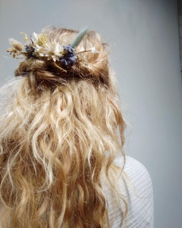 bloemenkam blauw beige